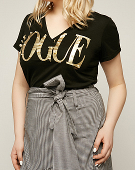 T-shirt Vogue black with gold